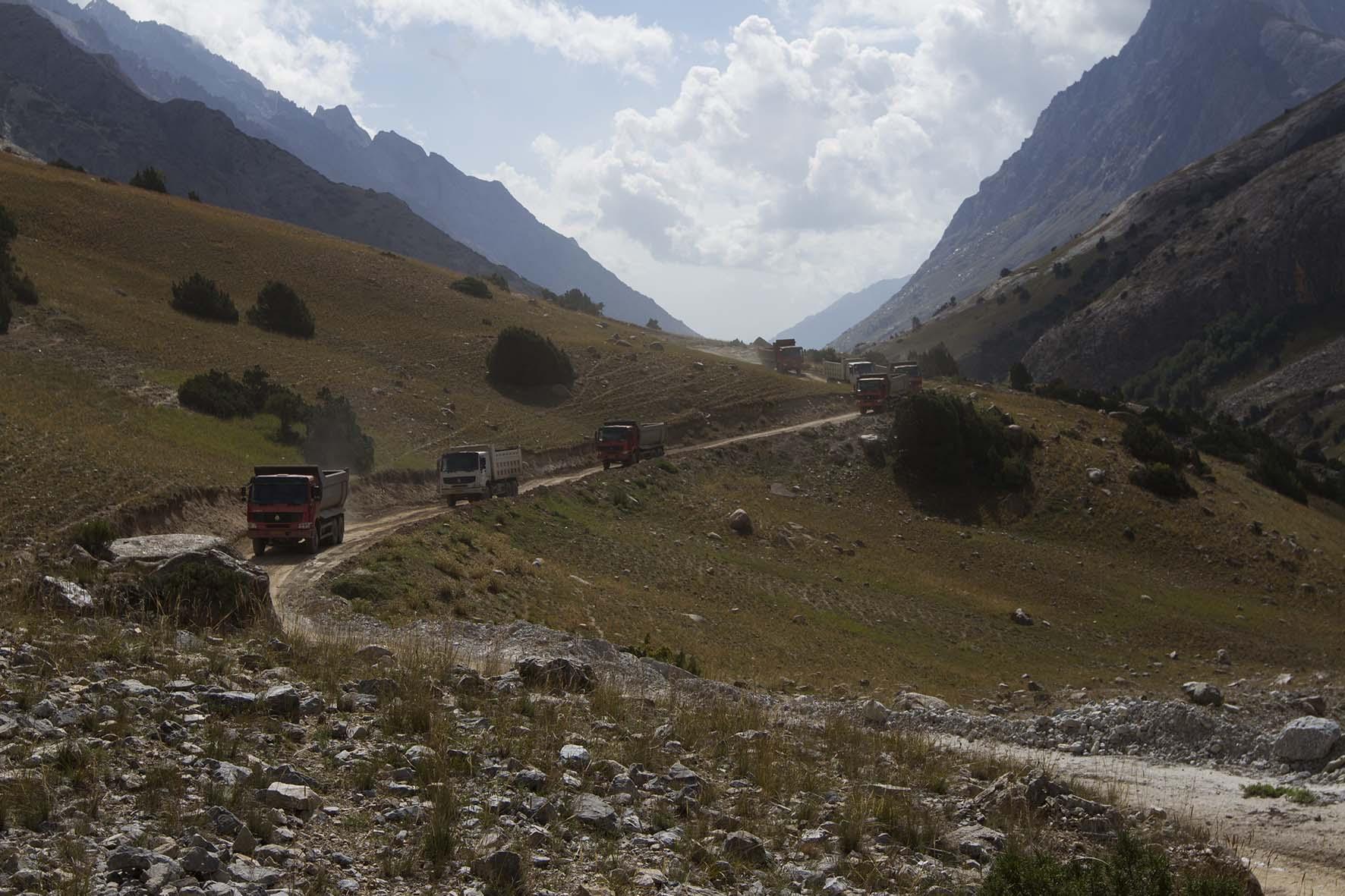 автомобильная дорога в долине р. Кек-су