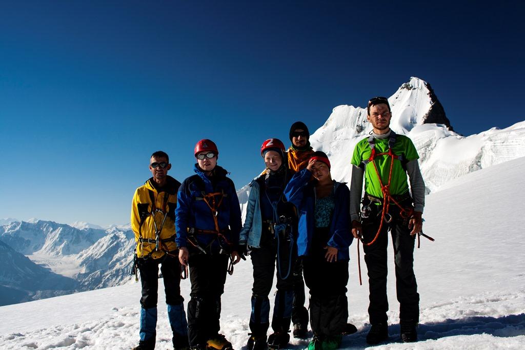 группа на пер. Беседина (3А, 5200 м).